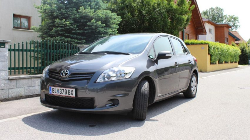 Toyota Auris 1,33 Young