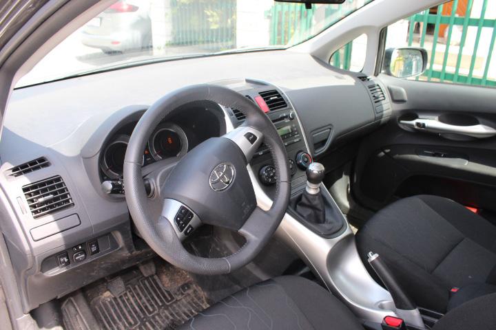 Toyota-Auris-Young-Marktplatz-autorevue (5)