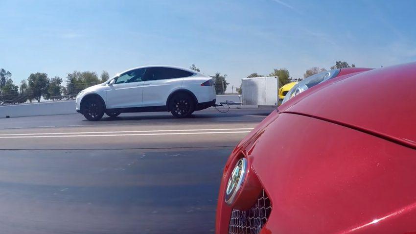 Tesla (der einen Alfa zieht) vs. Alfa