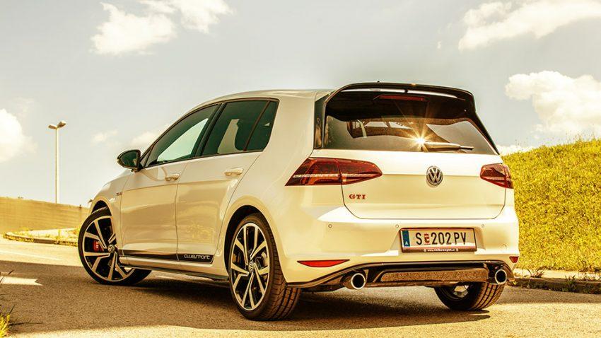 VW-Golf-GTI-AR-1