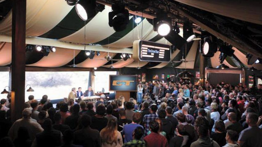 "Jeremy Clarkson zeigt ""The Grand Tour""-Zelt"