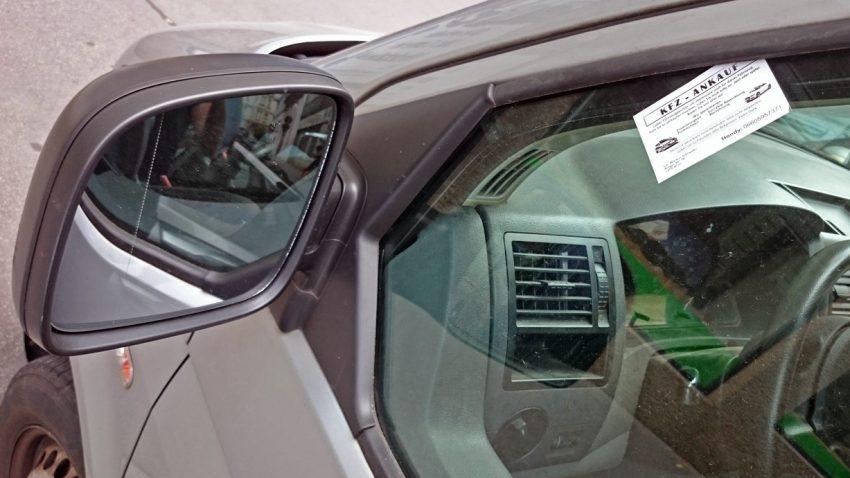 Kfz-Ankauf & Co: 3 Fragen zu den lästigen Visitenkarten am Auto