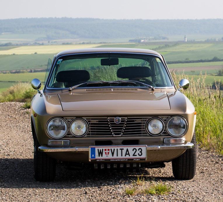 Gebrauchtwagenmarkt: Alfa Romeo 2000 GTV Bertone Zum