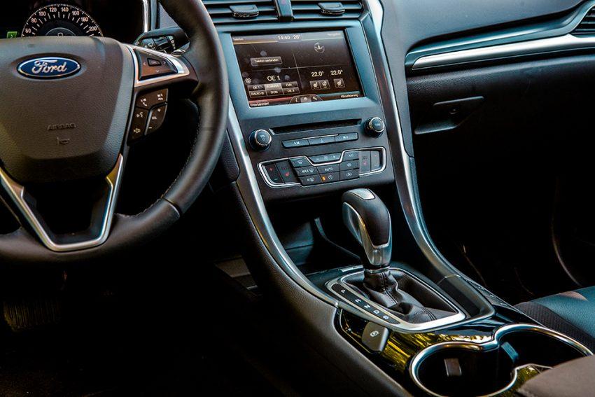 Ford-Mondeo-Traveller-Szemes-18