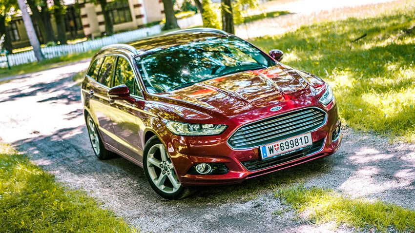 Ford-Mondeo-Traveller-Szemes-23