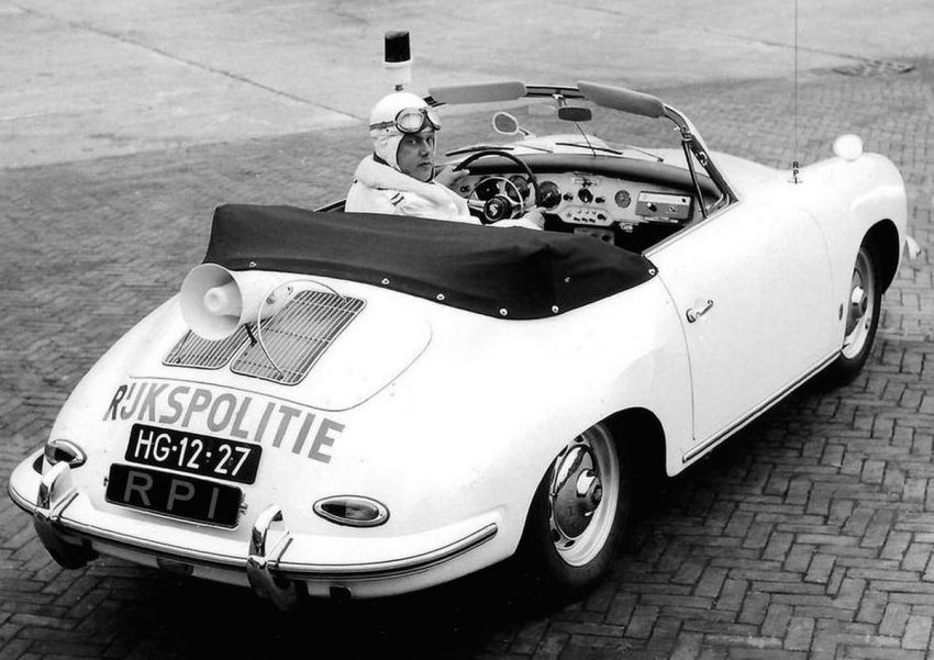 1962-porsche-356b-1600-cabrio-rijkspolitie-3
