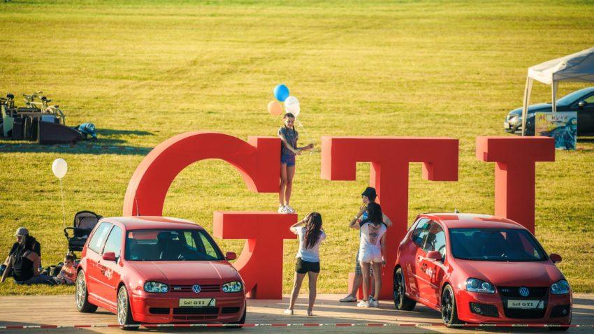 VW feierte 40 Jahre Golf GTI und Ford zelebrierte den Neustart des Mustang