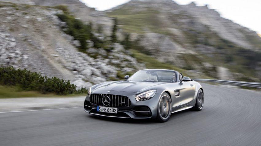 Mercedes AMG GT Roadster: Gibt und trägt Stoff