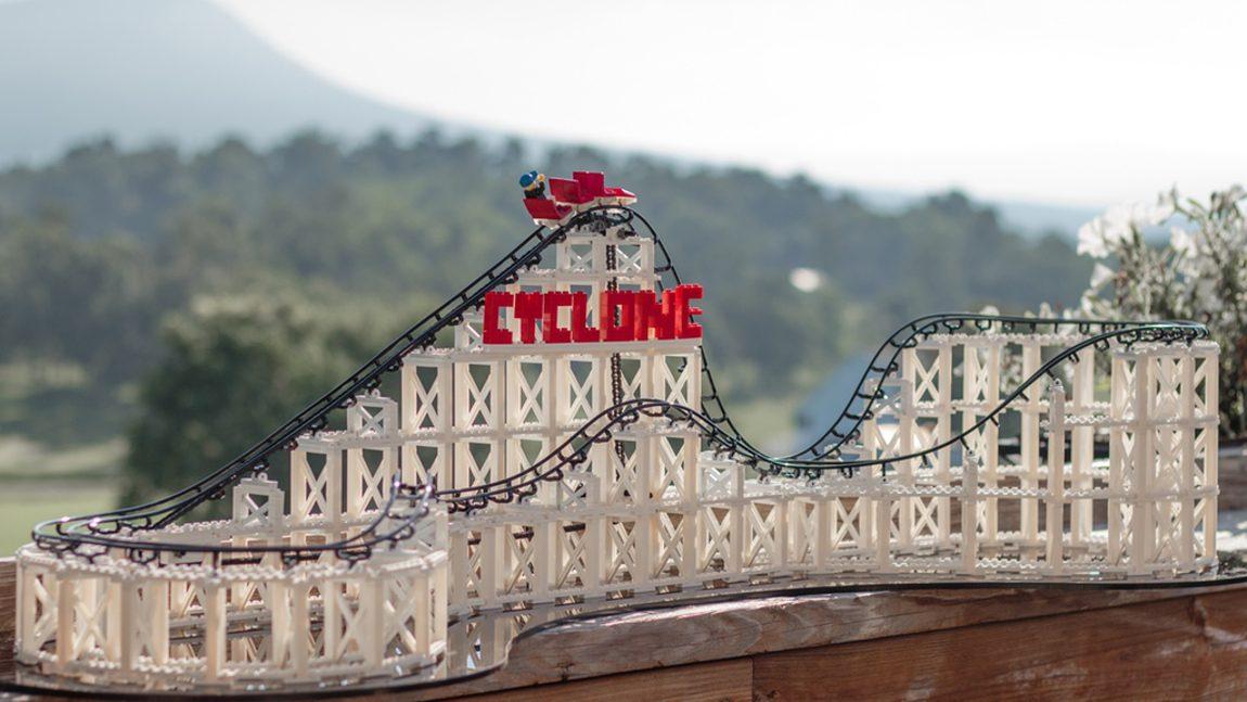 Cyclone: LEGO-Achterbahn zum Selberbauen