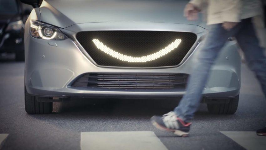 Dieses selbstfahrende Auto lächelt Fußgänger an