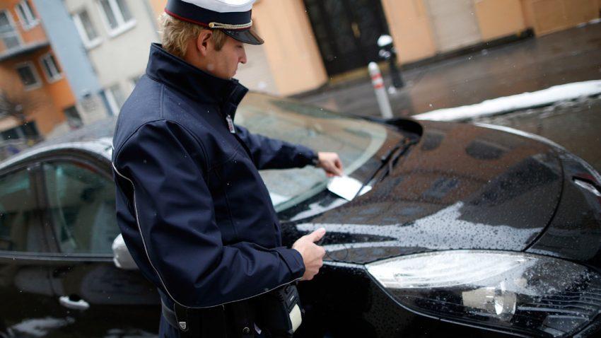 Falschparken: 6 gängige Vergehen [+ Strafen]