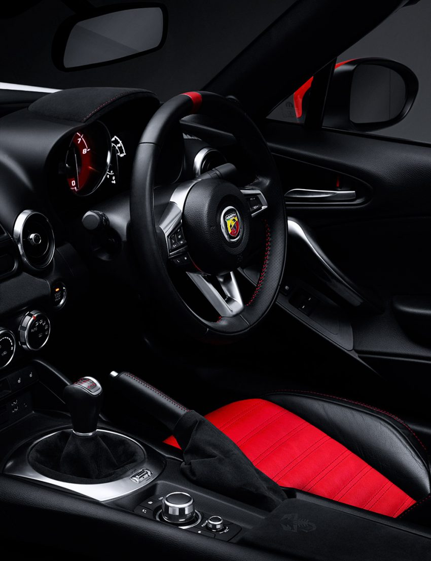 160822-abarth_interior_seat_f2