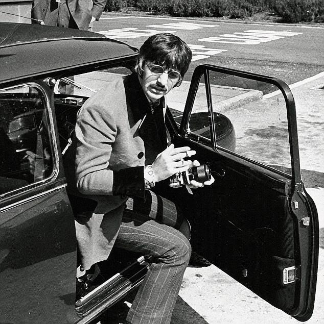 Ringo Starr ganz stilbewusst