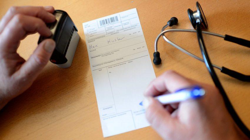 Ist Autofahren im Krankenstand erlaubt?