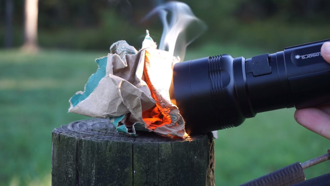 Mit dieser Taschenlampe kann man Eier braten