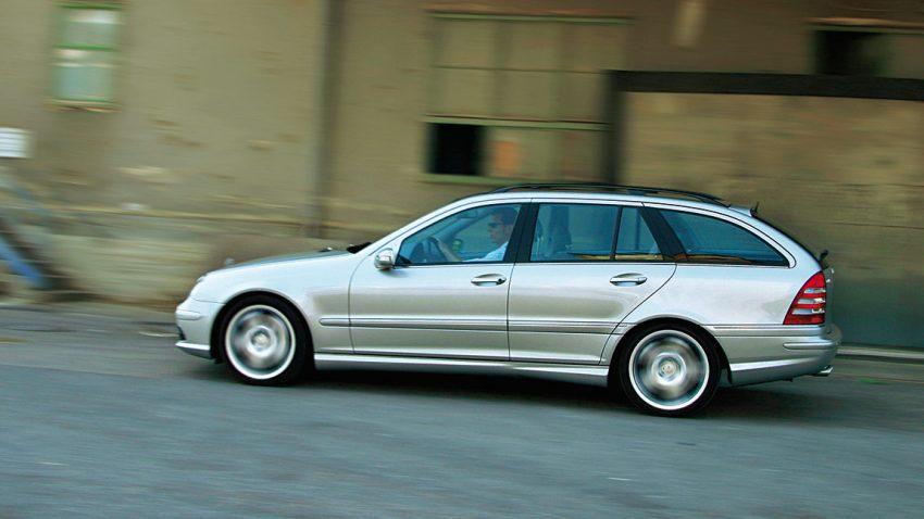 Mercedes C55 AMG: Platzangst im Motorraum