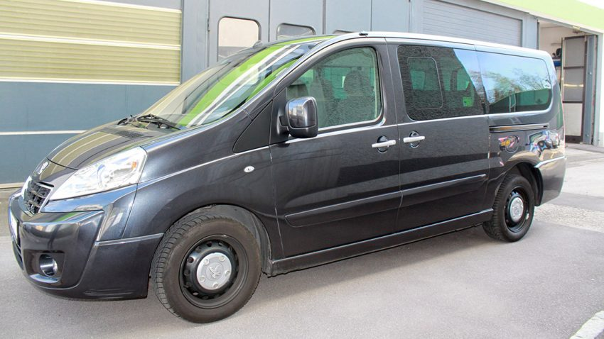 Peugeot Expert Allure HDI 160 Automatik LG 9-Sitzer-Bus
