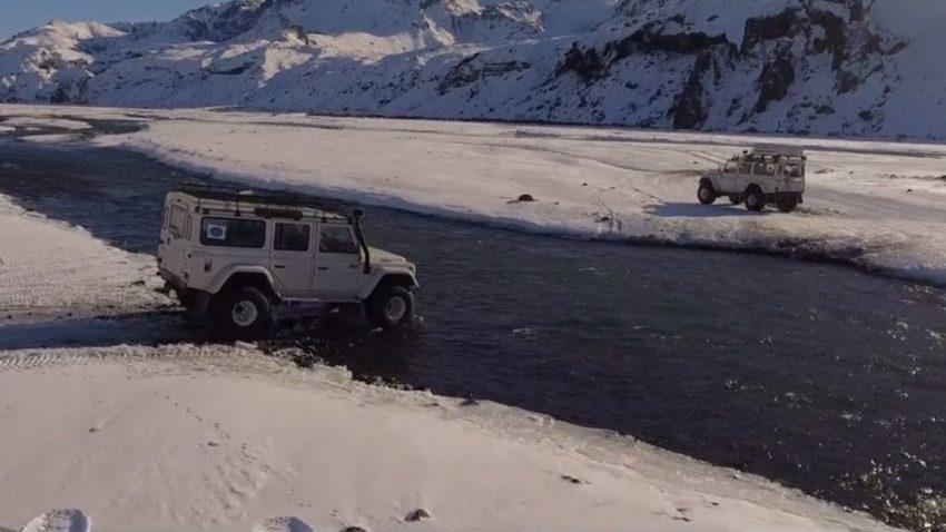 Island im Land Rover Defender
