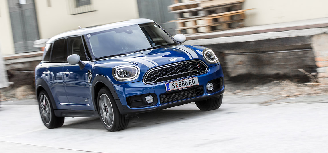 mini cooper s countryman all4 all work all play. Black Bedroom Furniture Sets. Home Design Ideas