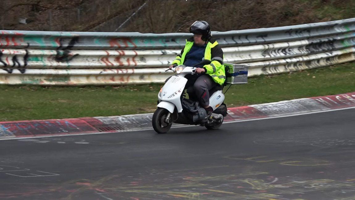 Die kuriosesten Touristen-Fahrzeuge am Nürburgring