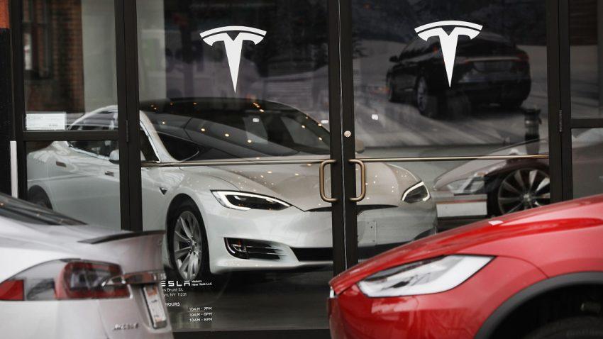 Tesla ist jetzt mehr wert als Ford