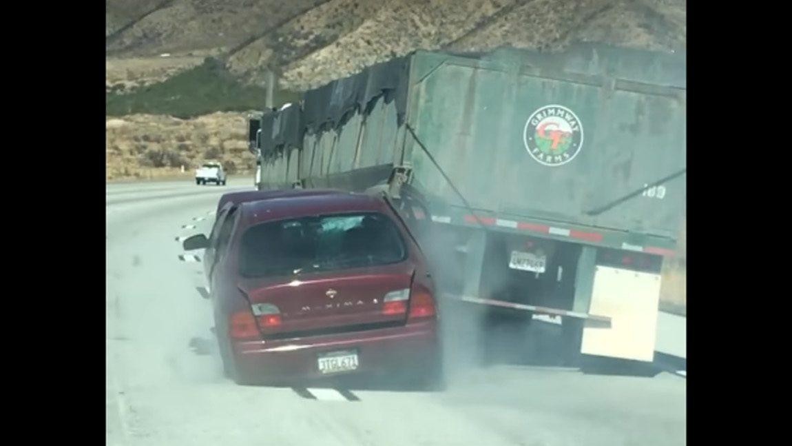 Lkw-Fahrer schleift Auto samt Fahrer kilometerweit mit - ohne es zu bemerken