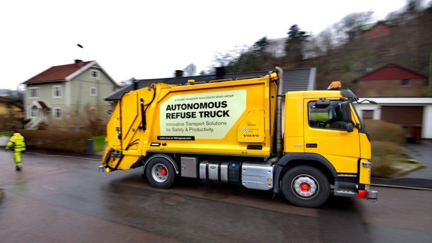 Dieser Volvo-Müllwagen fährt vollautonom