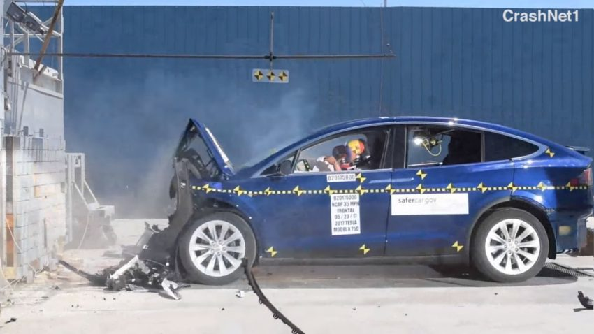 Crashtest-Videos: Tesla Model X ist sicherstes SUV
