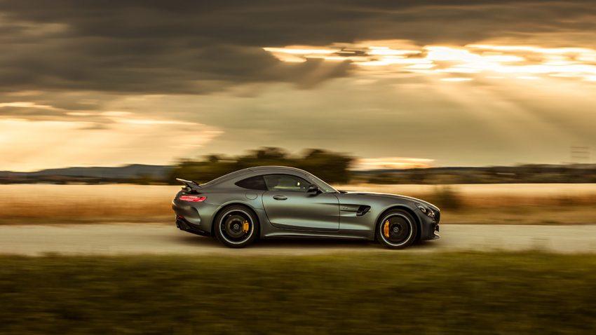 Mercedes-AMG GT R: Autofahren in 2D
