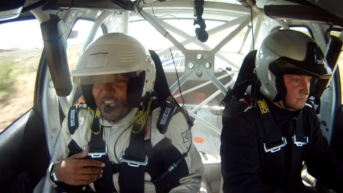 Dieser Rallye-Copilot ist unterhaltsamer als jedes Autoradio