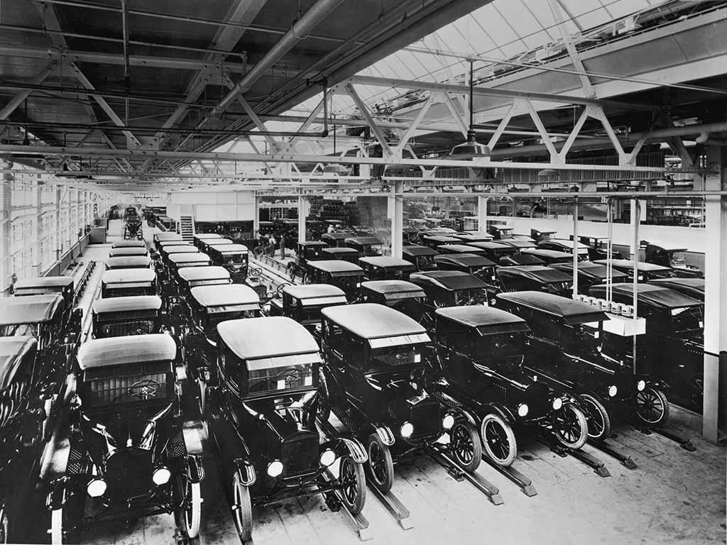 Ford Fabrik mit Modell T