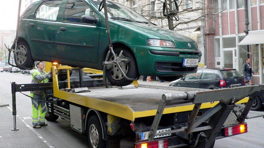 Mein Auto wurde abgeschleppt, was jetzt?
