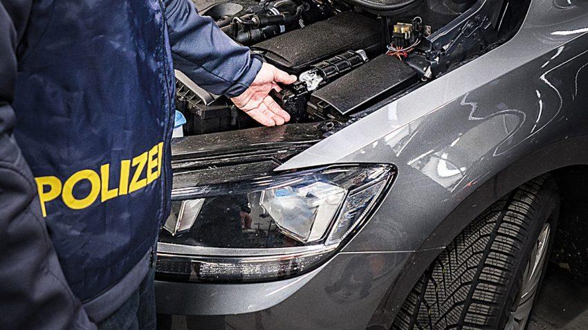 Schnell weg - Autodiebstahl & Fahrzeugforensik