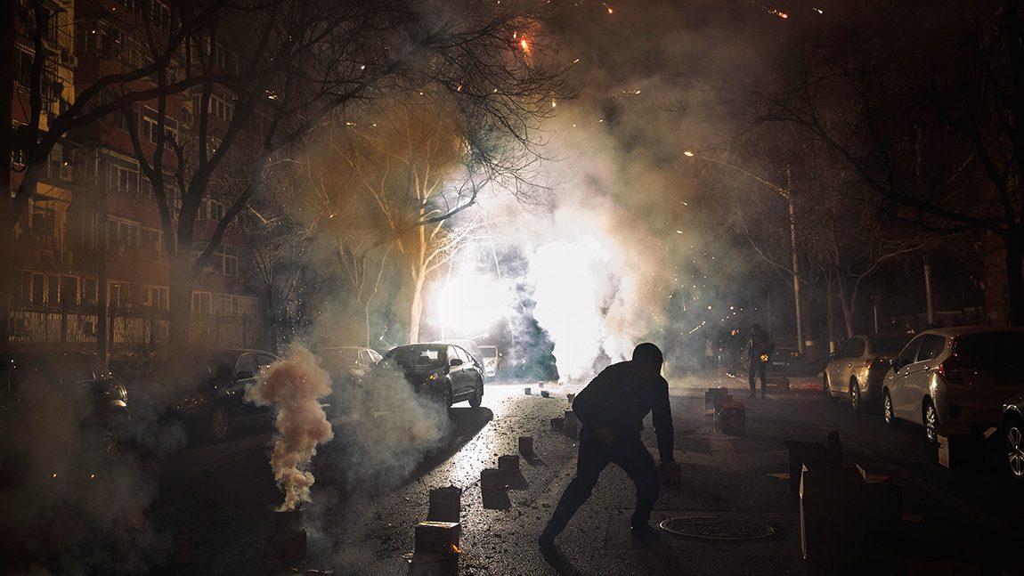 Silvester-Feuerwerk: So schützt man sein Auto
