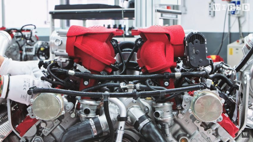 Handarbeit trifft High Tech: Ein Blick hinter die Kulissen des Ferrari-Werks in Maranello