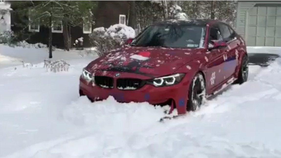 Dieser BMW M3 macht sich ziemlich gut als Schneepflug