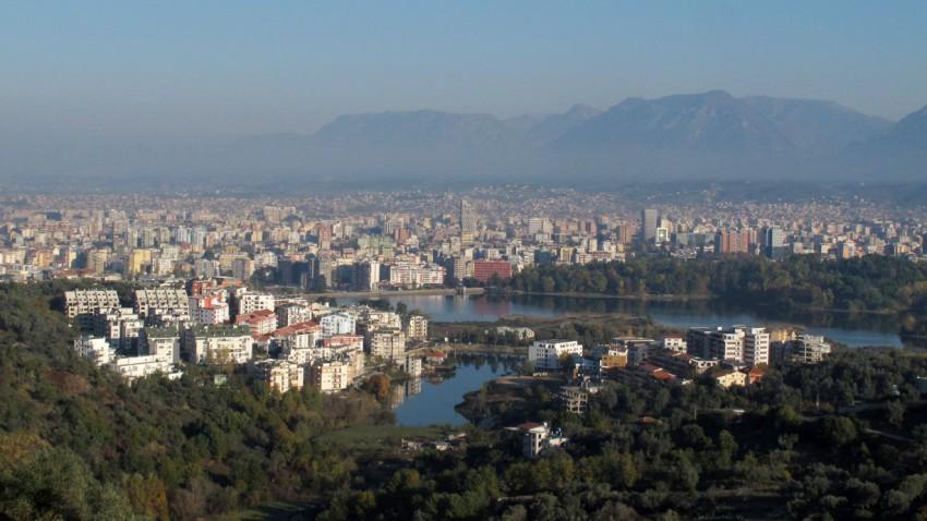 Autofahren in Albanien: Das ist zu beachten
