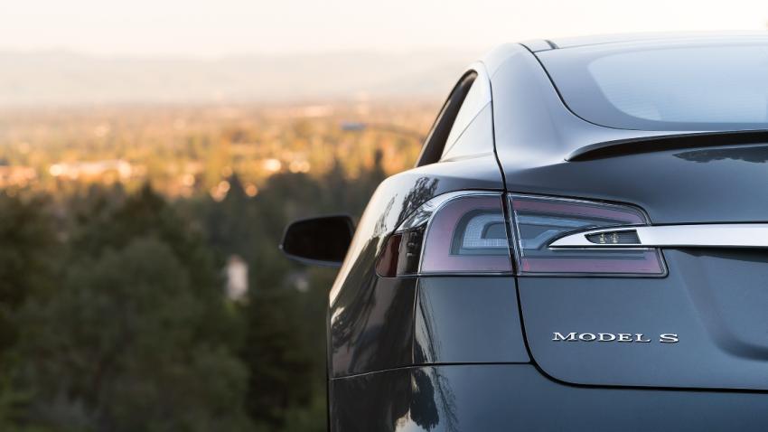 Teslas Model S verkauft sich in Europa besser als Spitzenmodelle von Mercedes und BMW