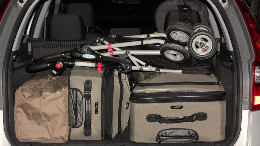 Voll beladener Kofferraum eines Autos