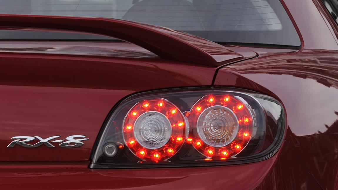 Mazda RX-8 Crossover vier Tueren Sportwagen Limousine