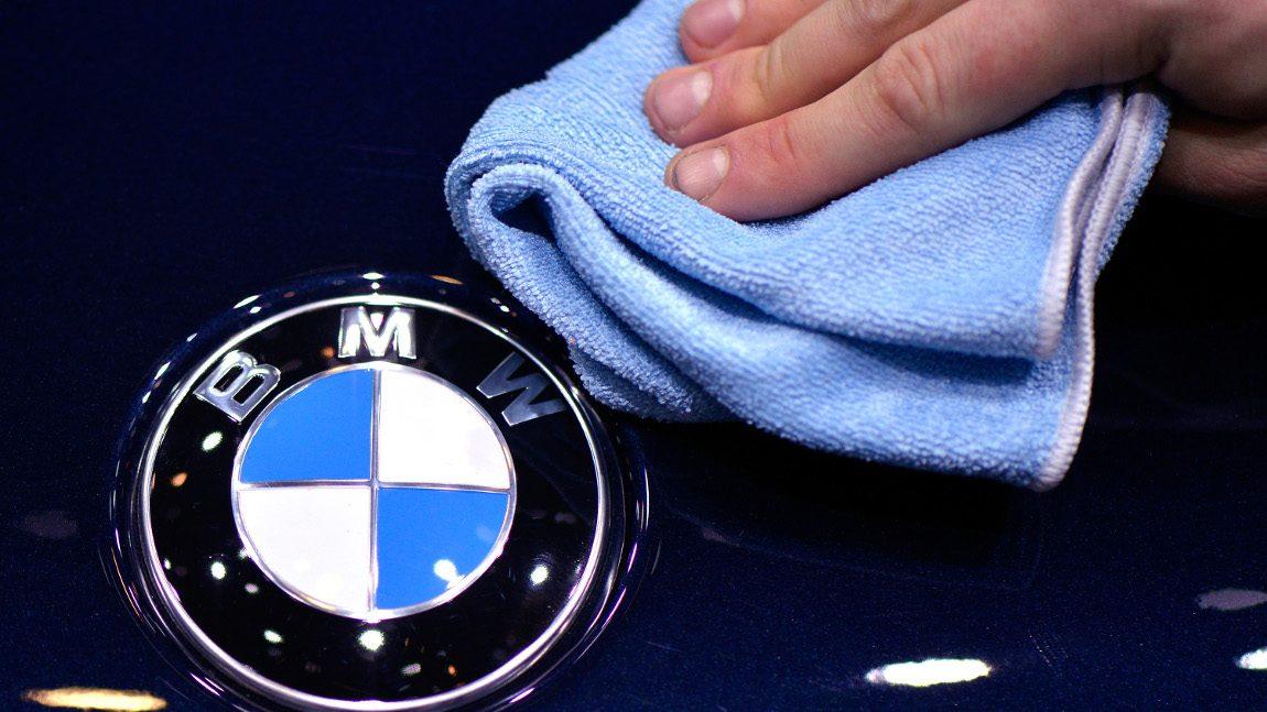 Soft Close-Tür trennt halben Daumen ab: Amerikaner verklagt BMW