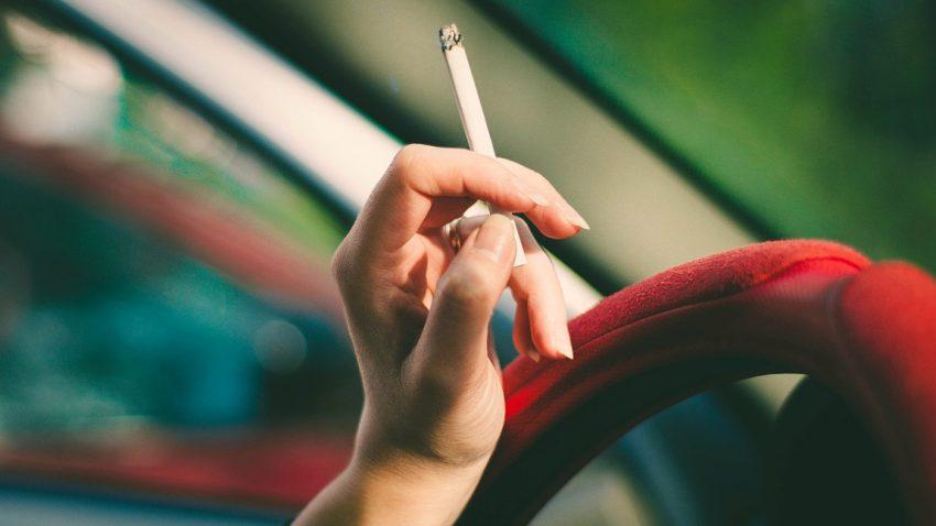 Rauchverbot im Auto in Anwesenheit von Kindern: Bis zu 1000 Euro Strafe drohen