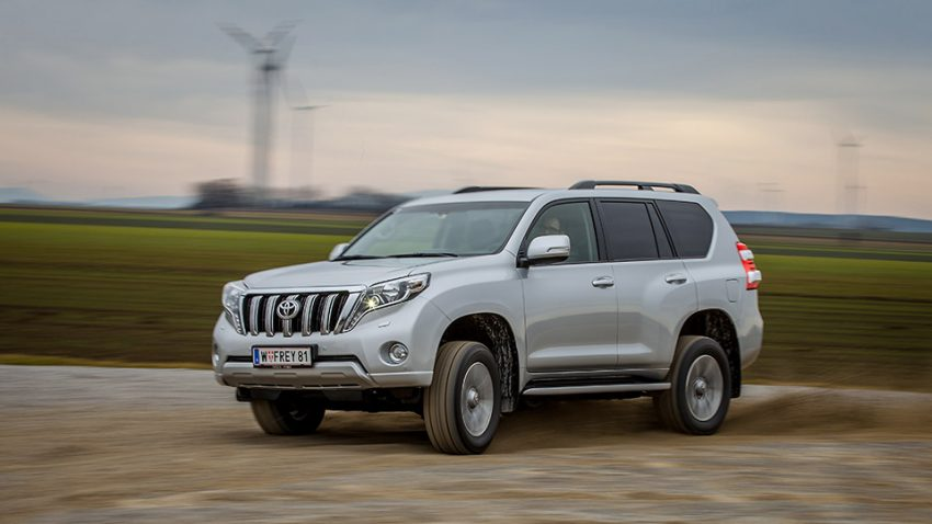Toyota-Land-Cruiser-2016-5