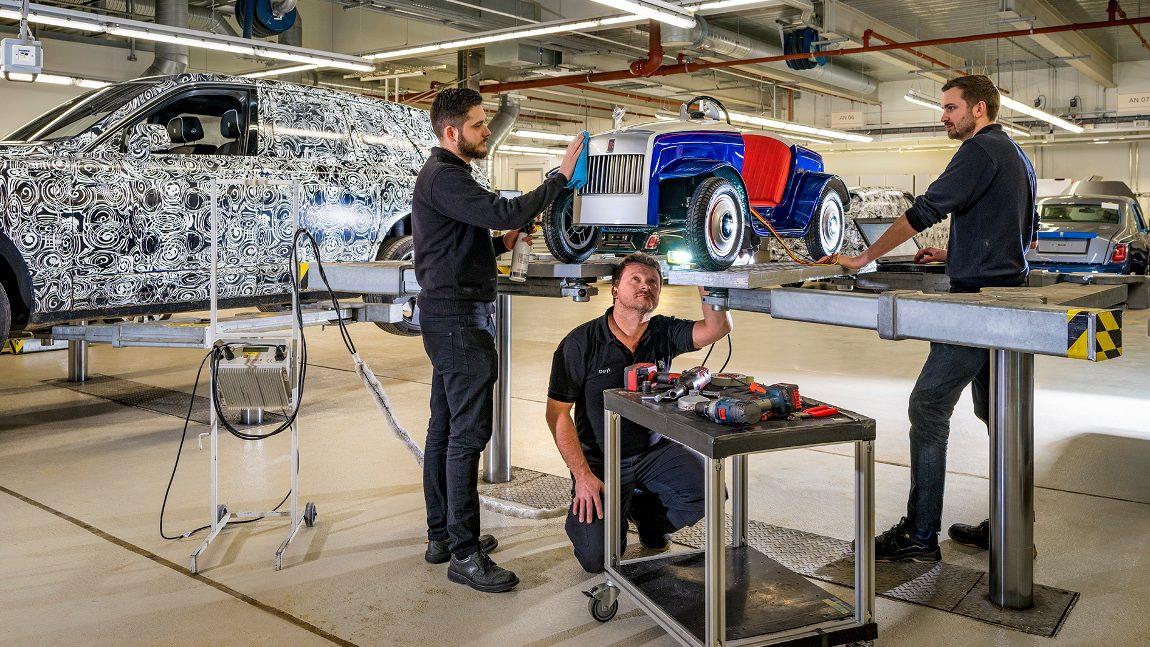 Jahresservice für den kleinsten Rolls-Royce der Welt