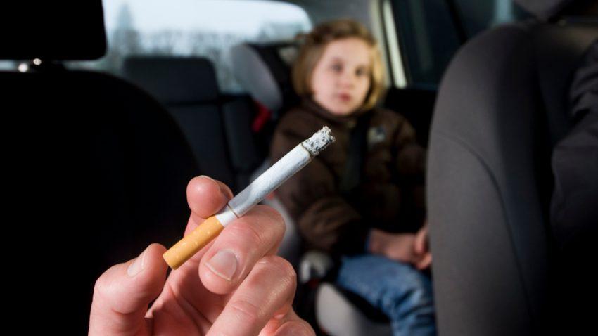 Rauchverbot im Auto: Regelungen und Strafen in Europa