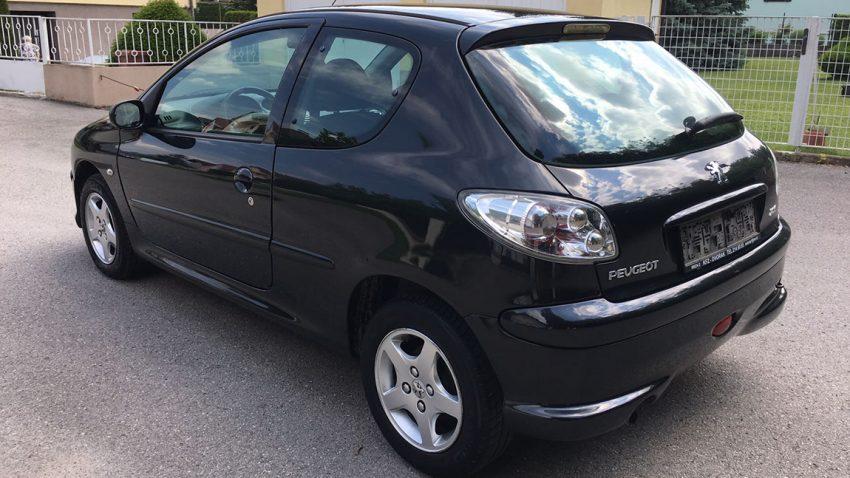 Gebrauchtwagen Peugeot 206 zu verkaufen