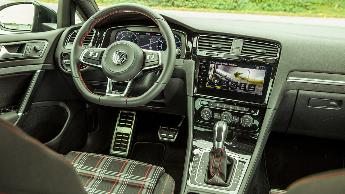 Vergleichstest VW Golf GTI Skoda Octavia RS 245