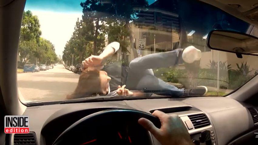 Wie man reagieren sollte, wenn man von einem Auto angefahren wird
