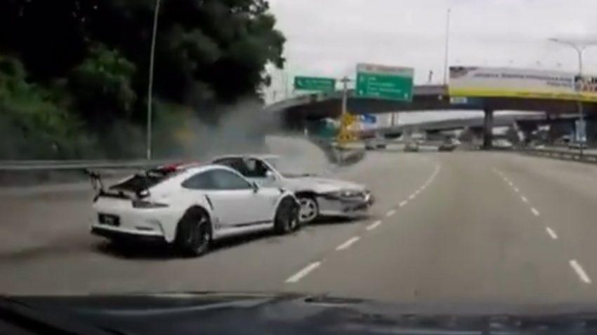 Proton schupft Porsche 911 GT3 RS in Leitplanke