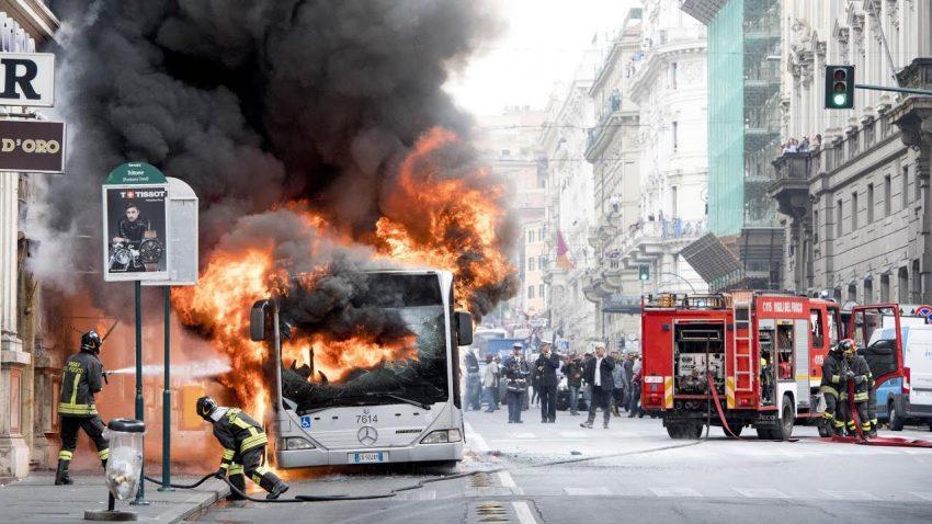Rom hat ein Problem mit brennenden Bussen